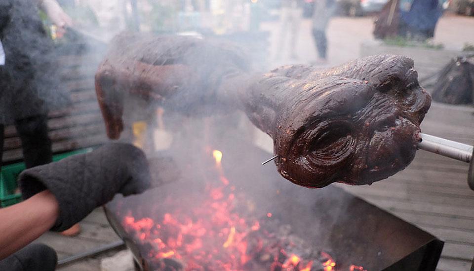 Eating E.T. - Mock Alien BBQ