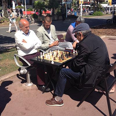 cannes 2016 sur la croisette table d'échecs
