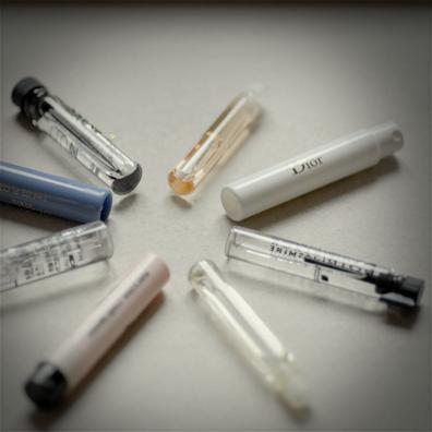 Interview SMS de Mélanie Bernier : parfums © Annick Holtz