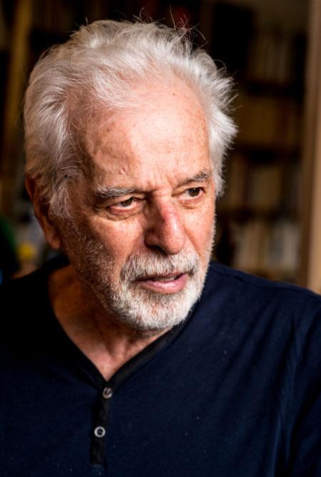 Dans le bureau d'Alejandro Jodorowsky : Portrait © Yann Vidal