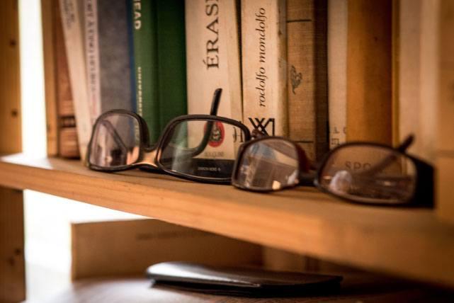 Dans le bureau d'Alejandro Jodorowsky : Lunettes © Yann Vidal