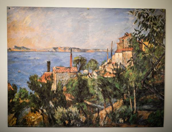Dans le bureau de Robert Guédiguian : tabelau de Cézanne© Yann Vidal.