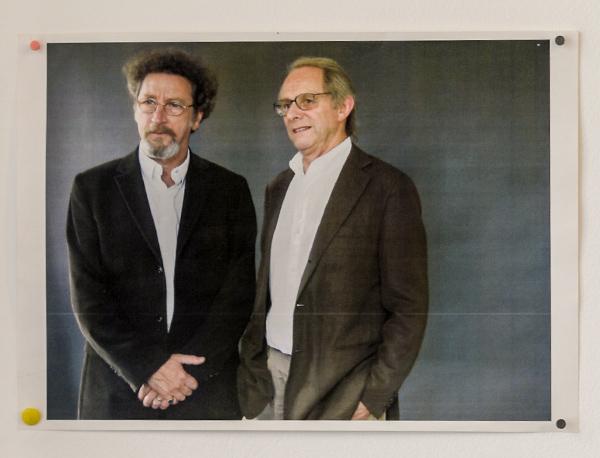 Dans le bureau de Robert Guédiguian : admiration pour Ken Loach © Yann Vidal.