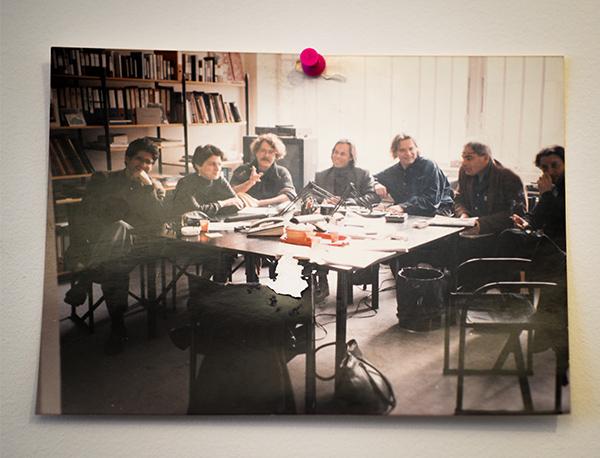 Dans le bureau de Robert Guédiguian : Collectif Agat films © Yann Vidal.