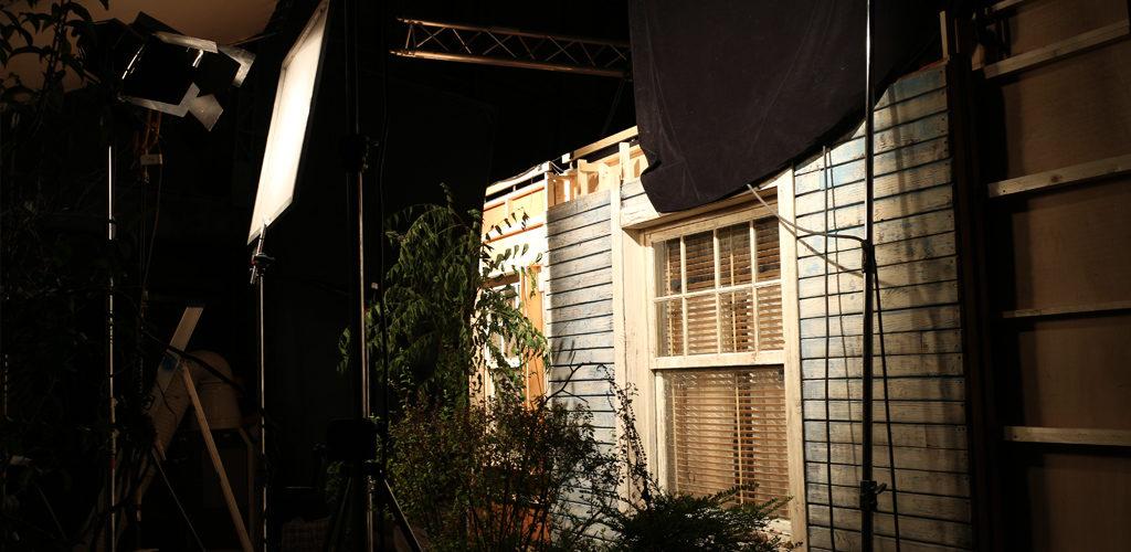 Sur le tournage du film Une famille à louer de Jean-Pierre Améris avec Benoît Poelvoorde et Virgine Efira.