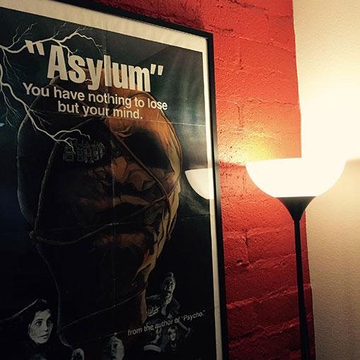 Inside the Asylum : visite du département recherche et développement.