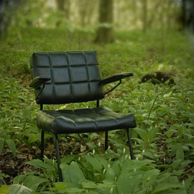 Jérémie Elkaïm Entretien SMS Chaise dans la forêt