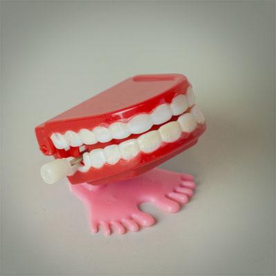 Jérémie Elkaïm Entretien SMS Dents claquent jouet