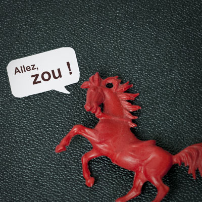 Jérémie Elkaïm Entretien SMS Zou Cheval rouge jouet