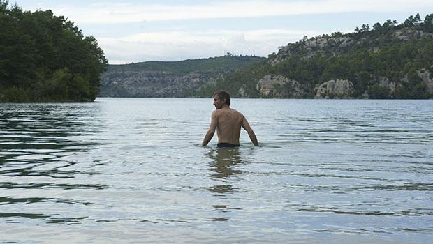 Vincent n'a pas d'écailles Thomas Salvador Vimala Pons Film Scène Lac Super-Héros