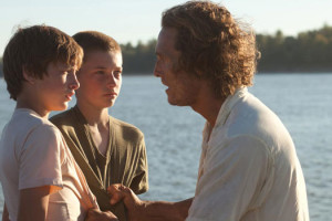 mud sur les rives du Mississippi Jeff Nichols Matthew McConaughey, Reese Witherspoon Ty Sheridan Jacob Lofland Sam Shepard
