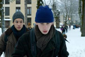 Critique Quand on a 17 ans de André Téchiné : petite image pour home avec Tom qui suit Damien