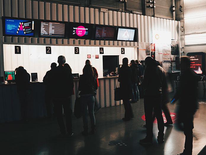 La programmation du cinéma propose tant des films « art et essai » et expérimentaux que des films indépendants plus grand public. / Kino Nowe Horyzonty © Mickael Arnal et Agnès Salson.