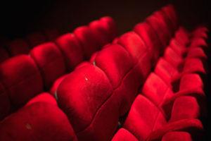 Cinéma le Club de l'Etoile sièges de cinéma rouge